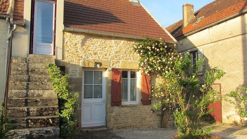 Maison près de Vézelay, aluguéis de temporada em Vermenton