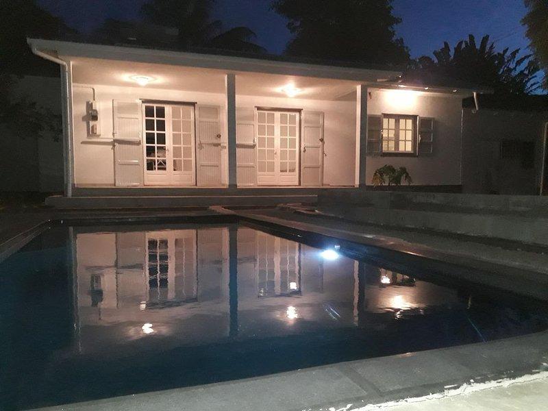 Maison avec piscine et vue dégagée, location de vacances à Arrondissement de Saint-Denis