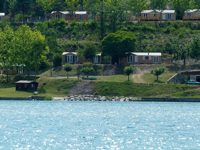 CHALET BORD DU LAC DE SERRE PONCON, holiday rental in Seyne