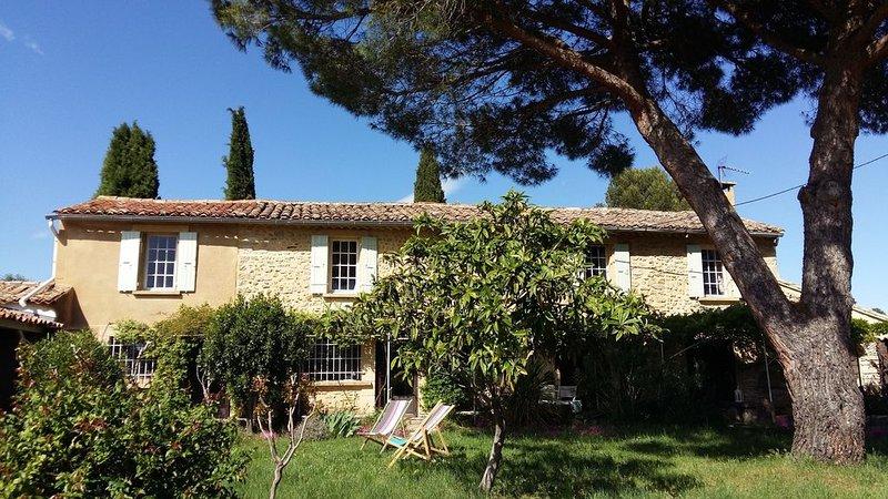 Superbe mas provençal au coeur des vignes, pour 10 personnes, vacation rental in St Just d'Ardeche