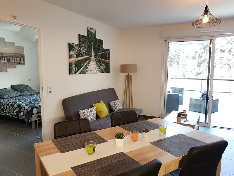 Appt stylé 4 pers, Terrasse, Garage Montpellier Sud, holiday rental in Lattes