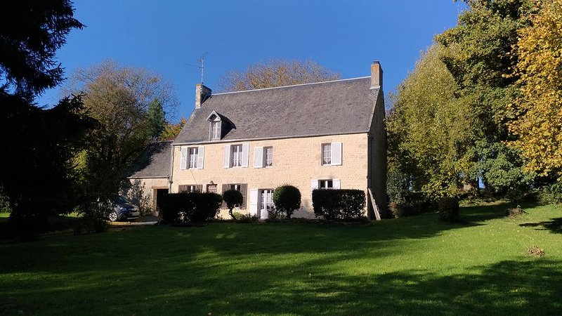 Maison de famille,  Normandie, Tilly-sur-Seulles, vacation rental in Tracy-Bocage