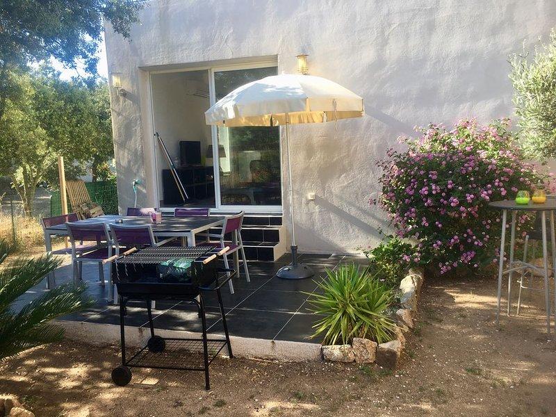 Agréable T3 très bien situé avec son jardin et sa terrasse ensoleillée, vacation rental in Monticello