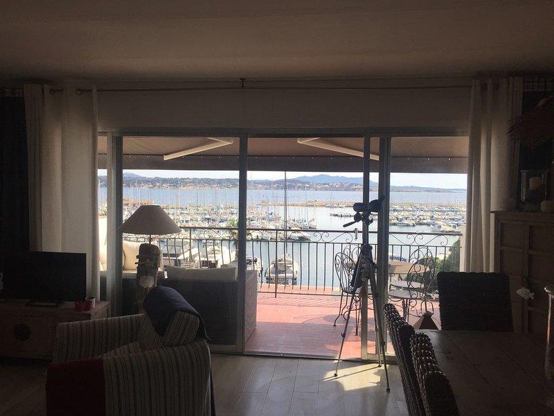 Appt 3 pers sur le Port de Bandol  grande terrasse vue mer, vacation rental in Ile de Bendor