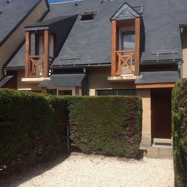 Appartement T2  coquet proche des télécabines et des thermes. 2 chambres, holiday rental in Vignec