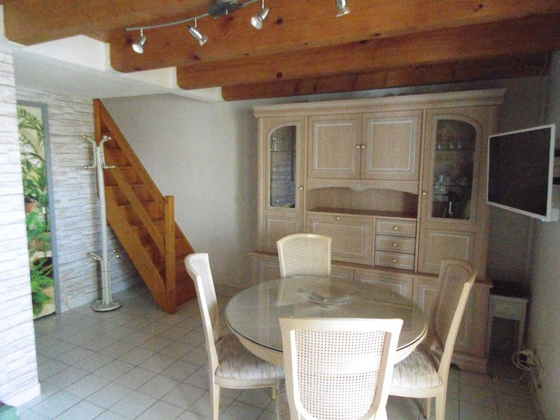 maison mitoyenne tout confort, holiday rental in Vic-la-Gardiole
