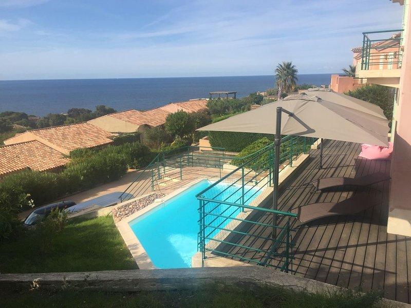MAISON T5 indépendante de charme avec piscine-vue mer - les hauts de st florent, location de vacances à Casta