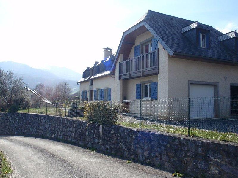 GITE 2 * près de Lourdes et d'Argelès Gazost, holiday rental in Lestelle Betharram
