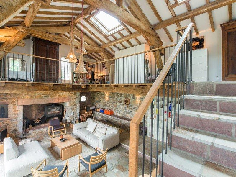 Maison de charme, piscine et vue dominante exceptionnelle, Itxassou / Espelette, holiday rental in Bidarray