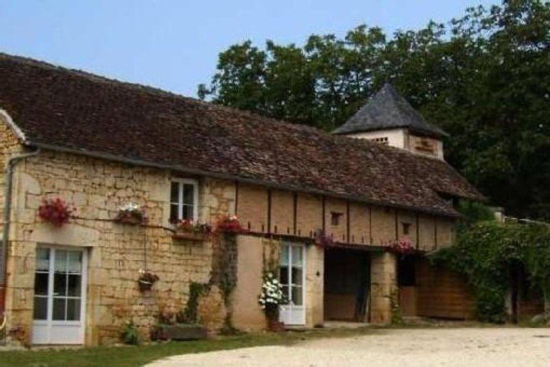 Gîte rural et son potager gratuit, proche Martel, aluguéis de temporada em Cressensac