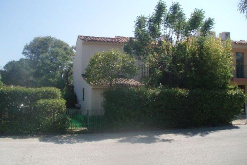 T2 climatisé avec jardin  300 m de la plage - l'Argentière - La Londe Les Maures, casa vacanza a La Londe Les Maures