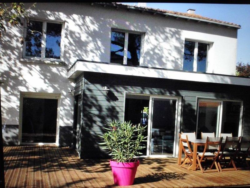 Grande Maison à 5 min de la Rochelle et à 10 min de l'ile de ré, vacation rental in Nuaille d'Aunis