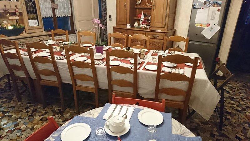chambre CLEEMA, dans notre maison JOYEUX REVEIL, vacation rental in Fontaine-Henry