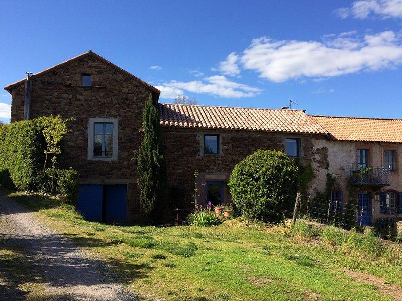 Maison avec piscine ., holiday rental in Verrieres