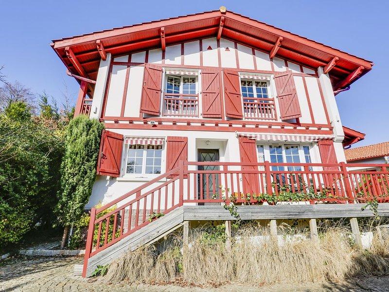 Maison pour 12 pers avec piscine au coeur de village, alquiler vacacional en Guéthary (Getaria)