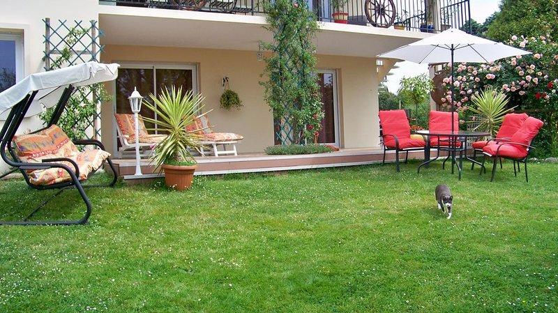 Appartement rez de jardin proche plage entre Biarritz et Capbreton avec terrasse, holiday rental in Saint-Martin-de-Seignanx
