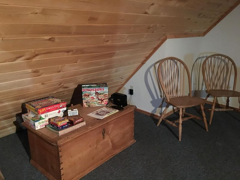Cozy cabin condo located within walking distance of downtown, trails, and more, holiday rental in Ouray