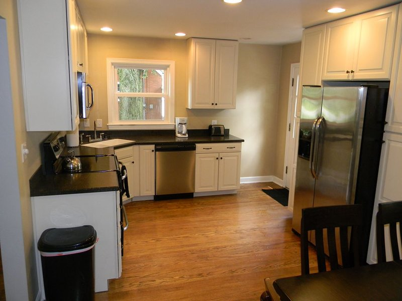 Convenient, Comfortable, Cute & Close to everything!, holiday rental in Middletown