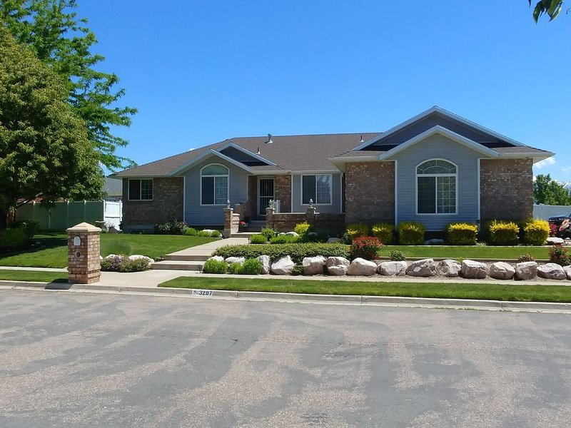 Close to your Utah adventures., holiday rental in Davis County