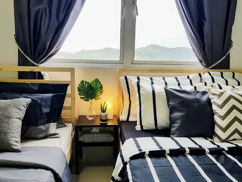 9-10 Pax Puchong IOI Mall Cozy Apartment SkyPod, vacation rental in Bandar Puchong Jaya