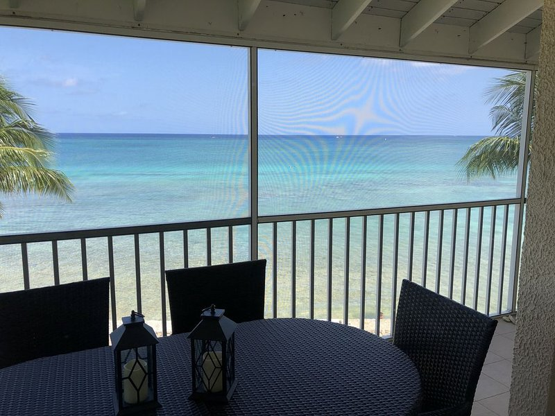 3 bd ocean front condo available for multi week and month vacation rentals!, holiday rental in Seven Mile Beach