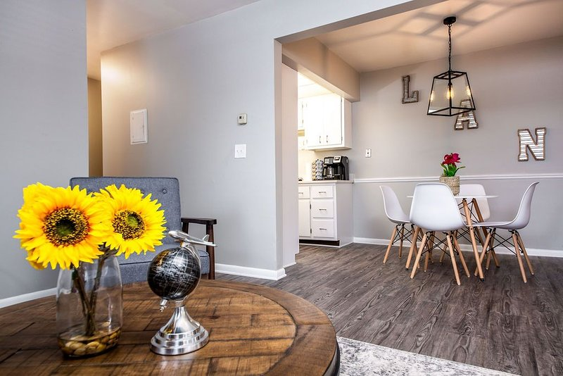 Airport Apartments #2- The Hangar, holiday rental in Haslett