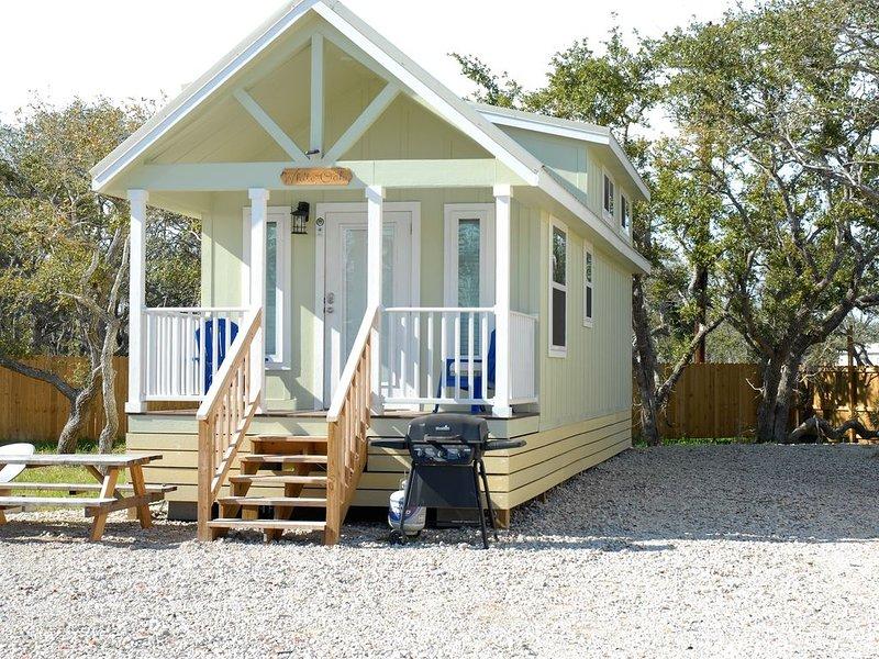 White Oak -Beautiful Cottage - Perfect For a  Family Getaway, alquiler vacacional en Aransas Pass