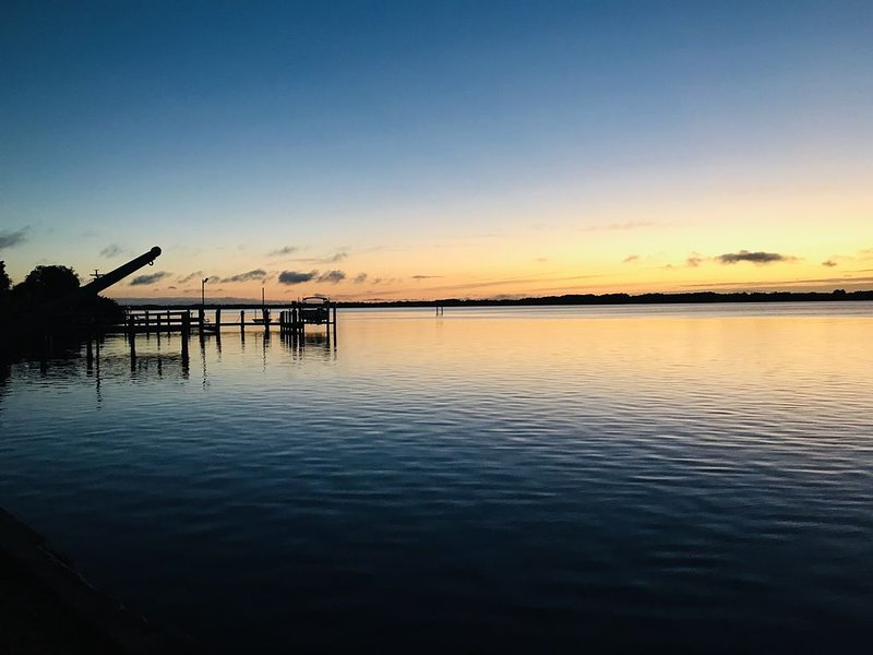 Spectacular Peace River Paradise, Heated Pool, Endless Waterfront, vacation rental in Punta Gorda