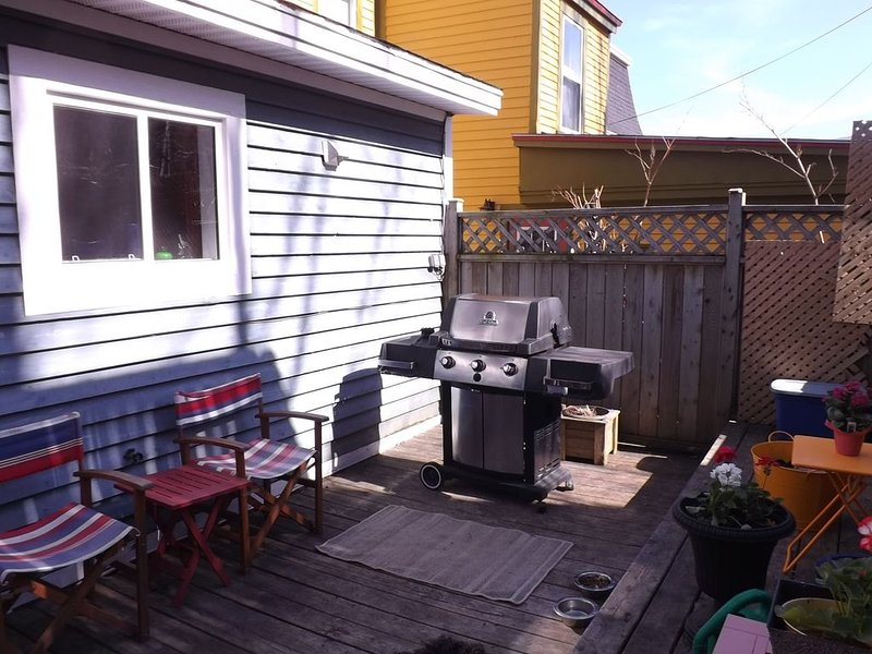 Great Location !!!Beautiful Downtown Executive, location de vacances à Petty Harbour
