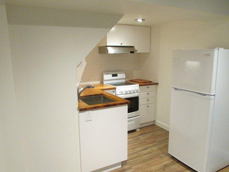 Centrally Located Solar-Powered 2 Bedroom Flat, location de vacances à Millcreek
