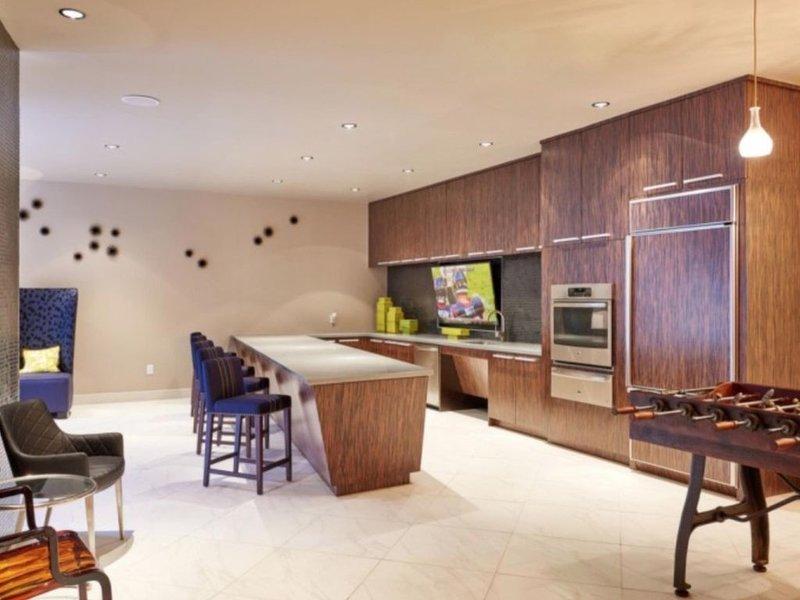 Luxury Midtown/Med Center/Main Street Wonder, vacation rental in Houston