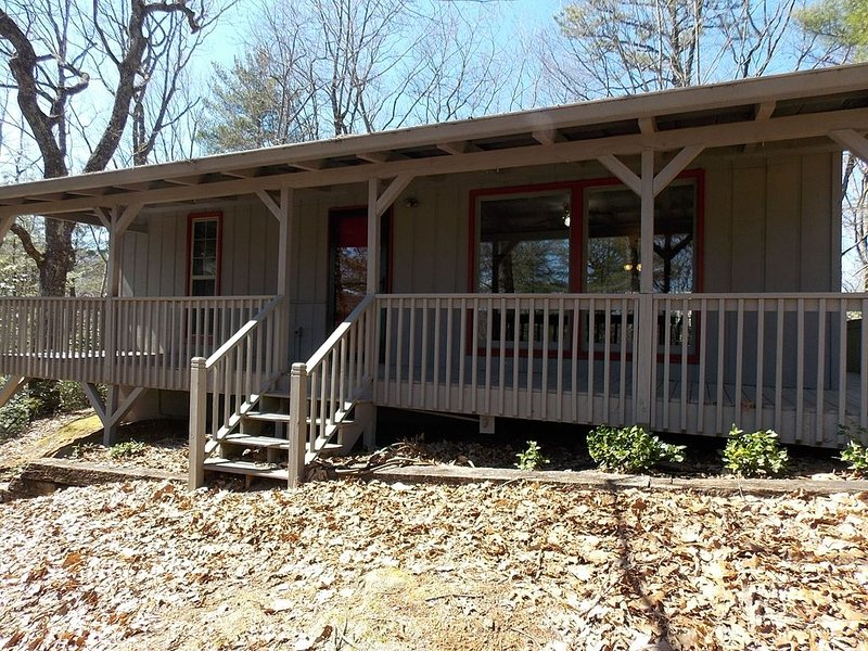 Scenic Hideaway in Blairsville GA!  So close to Vogel State Park and Waterfalls, location de vacances à Blairsville