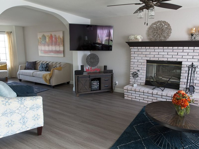 Urban Retreat Vacation Home, holiday rental in Cathedral City