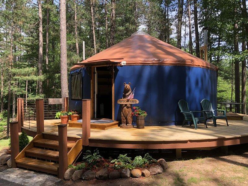 Cozy Yurt close to Birkie Start: Cable, alquiler de vacaciones en Barnes