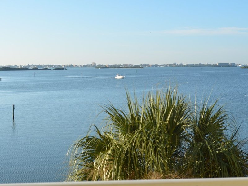Boca Ciega Bay Waterfront Condo #213, holiday rental in Kenneth City