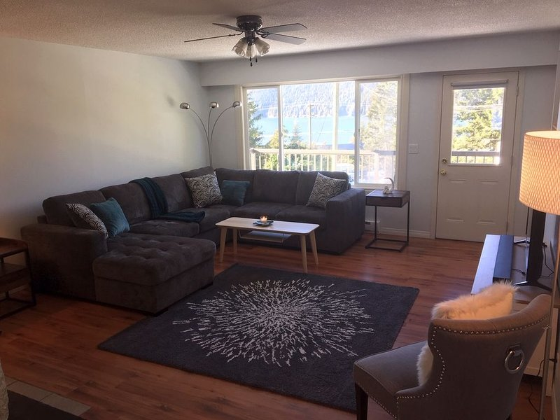 Driftwood Escape West Coast Home, holiday rental in Port Renfrew