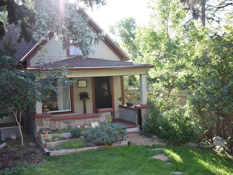 Close to Garden of the Gods and Mountains!, vacation rental in Colorado Springs