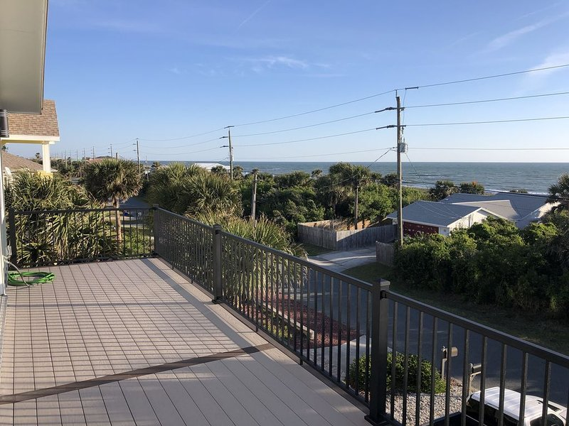 3 Story Panoramic Ocean Views, alquiler de vacaciones en Flagler Beach