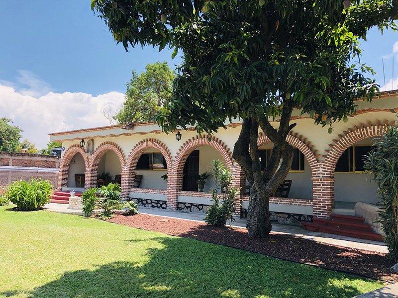 Finca Ybarra Beautiful Country House, holiday rental in Chapala
