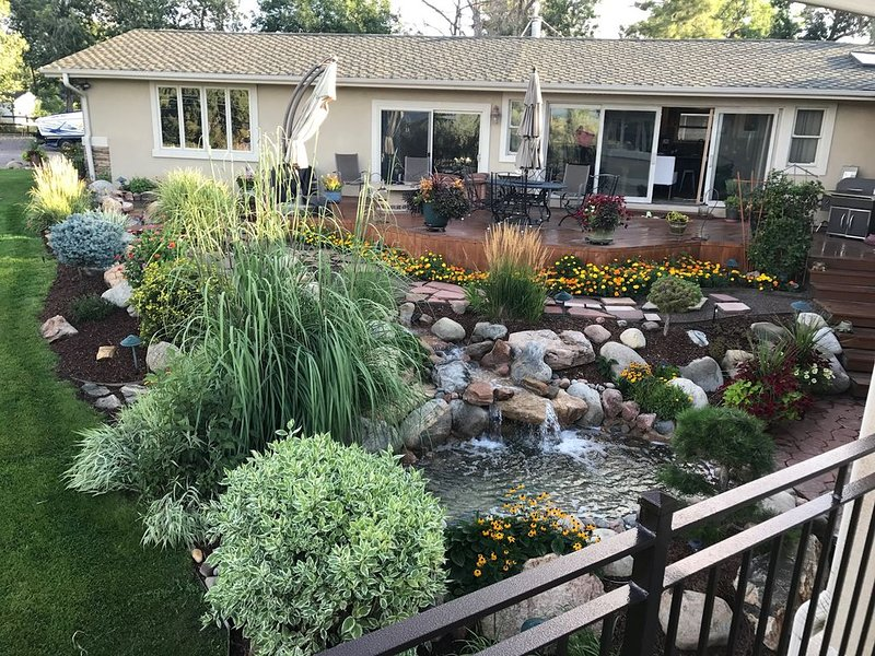 Lower Level of Ranch Style House with Walkout Basement. Mountain Views, holiday rental in Littleton