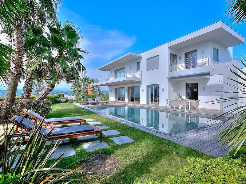 Luxurious villa at 10 min from the Croisette, vacation rental in Cannes