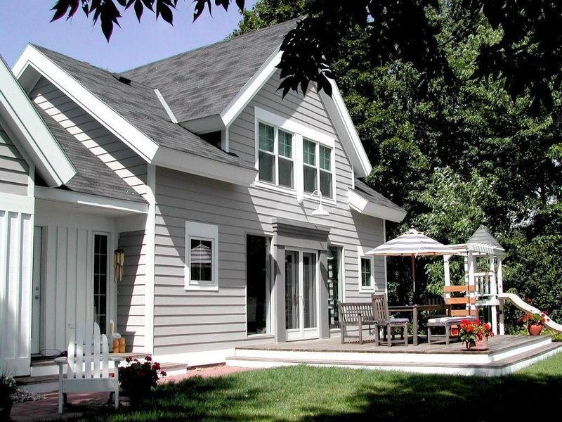 Cape Cod on with amazing views of Big Pelican Lake, alquiler vacacional en Detroit Lakes