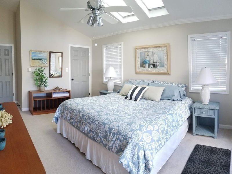 2 BR Lakeside Apt/Suite (1 - 6 mo Lease), vacation rental in Flowery Branch