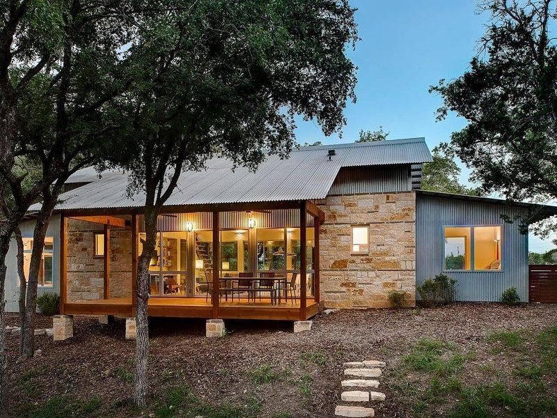 Luxury Retreat in DWELL magazine!  Burning Creek Hill Country Retreat w/ Pool!, vacation rental in San Marcos