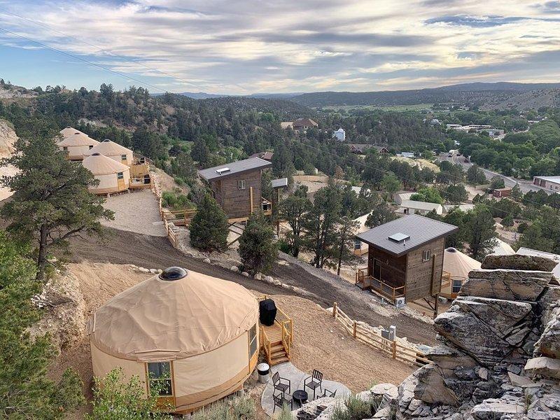 Yurt Overlook #3 at East Zion Resort (2 King beds), vacation rental in Mount Carmel
