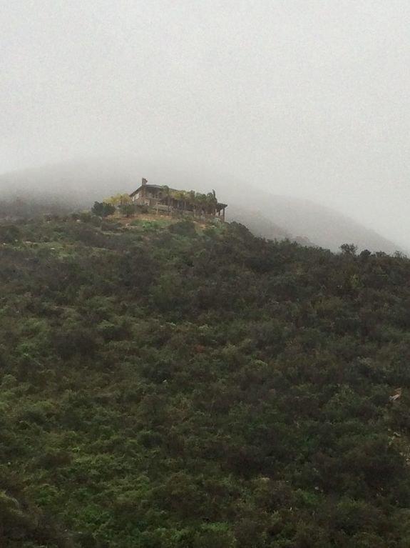 Das Haus in den Wolken. Keine Nachbarn hier!