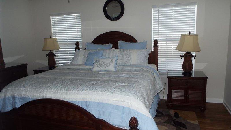 Blufton, Hilton Head Is SC. Vacation home. 3BR. 2BA Sleeps 8. 2-Night Min Stay, holiday rental in Hardeeville