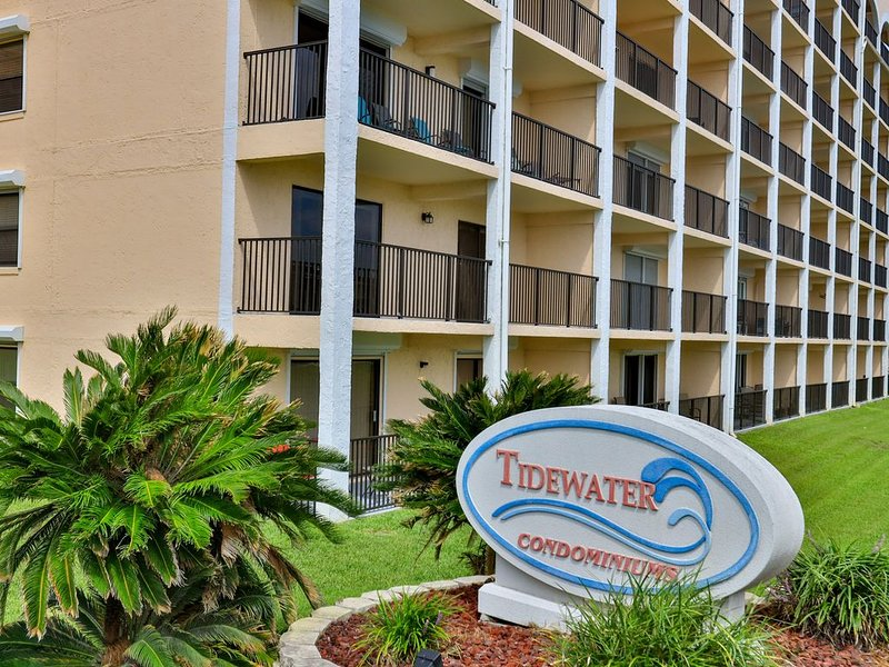 Beachside condo!!!! Totally renovated!, vacation rental in Ponce Inlet