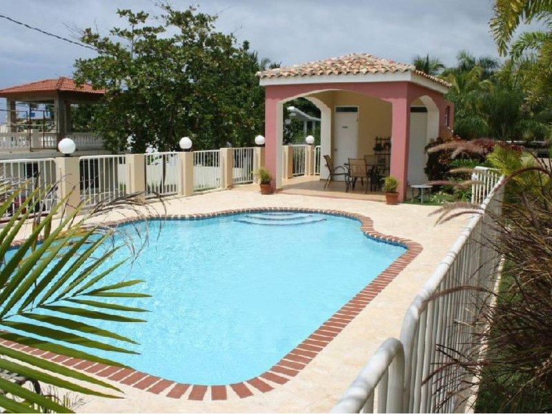 Beautiful Beach Apartment at Sandy Beach, Rincon, casa vacanza a Rincón