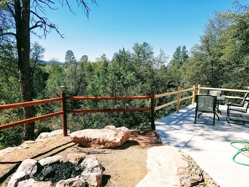 Mountain Views and Great Fire Pit, alquiler vacacional en Star Valley